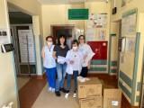 Fundacja Ludzki Gest Jakuba Błaszczykowskiego zakupiła 100 tysięcy maseczek. Część trafiła do szpitali w Opolu i w Kędzierzynie-Koźlu