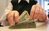 Kredyt dla znajomego: wziął 5 tys. zł pożyczki, dostał 100 złotych. Mężczyzna długu nie odda