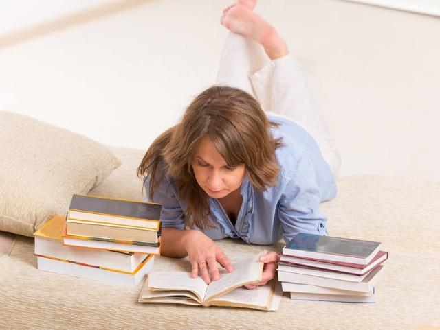 Prezentujemy książki, które niedawno ukazały się na rynku, a po które warto sięgnąć w weekend. Miłej lektury!
