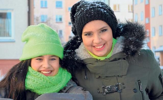Ta sesja była prezentem dla Ani (z prawej) od Marty Cywy i Oliwii Pleman oraz Magdy Kłosińskiej. Pozuje z ukochaną 12-letnią siostrą Kają, która nie może się doczekać powrotu Ani do domu.
