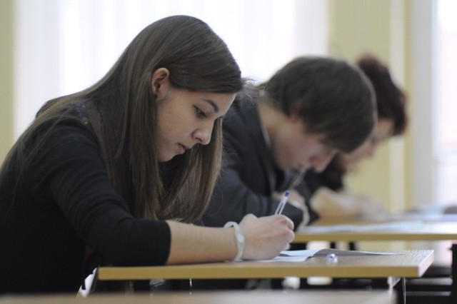 Katarzyna Matuszek jako  pierwsza opuściła salę egzaminacyjną.   – Nie było tak źle, jak się spodziewałam – mówiła.