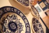 Magdalena Ziółkowska tworzy biżuterię ze starej porcelany. Są wśród niej nawiązania do Włocławka