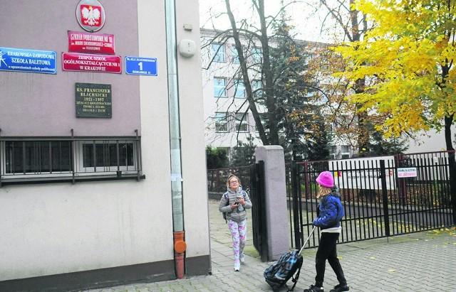 Miasto chce przenieść uczniów SP nr 10 do szkoły przy ul. Dietla. Rodzice protestują
