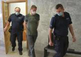38-latek wbił bratu śrubokręt w kręgosłup! Przed sądem w Tarnobrzegu ruszył proces w tej sprawie (ZDJĘCIA)