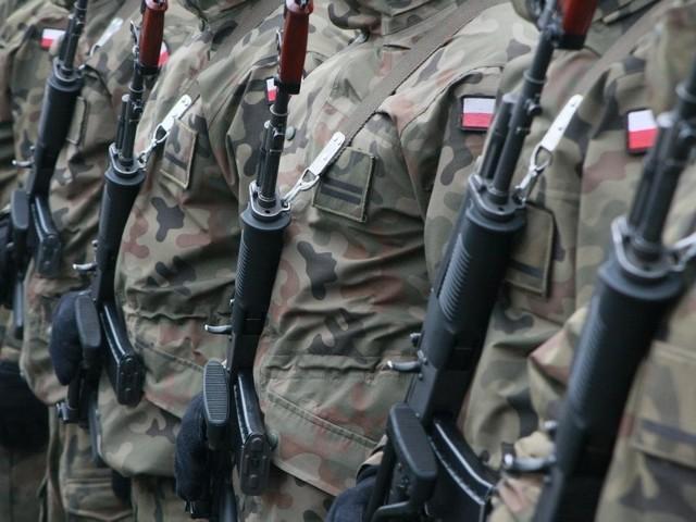 Poniedziałek będzie tzw. dniem otwartym w koszarach w Wędrzynie, gdzie stacjonują pododdziały elitarnej brygady z Międzyrzecza. Cywile będą tam mogli zobaczyć pojazdy i wyposażenie żołnierzy.