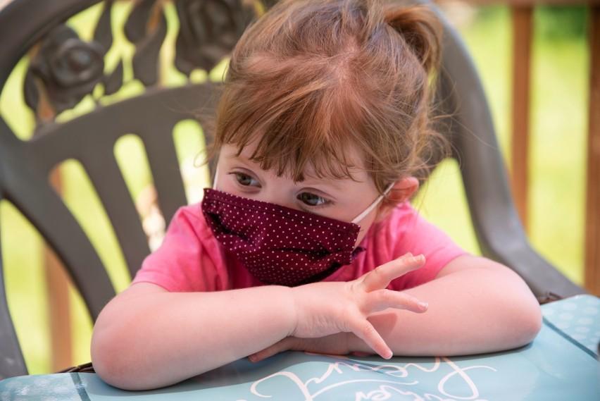 Dzieci rzadko wykazują ciężkie objawy COVID-19, jednak i u nich mogą występować dotkliwe powikłania infekcji – nawet takiej, która przeszła bezobjawowo!