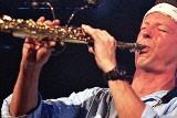Legendarny saksofonista Bill Evans zagra z kultową Walk Away