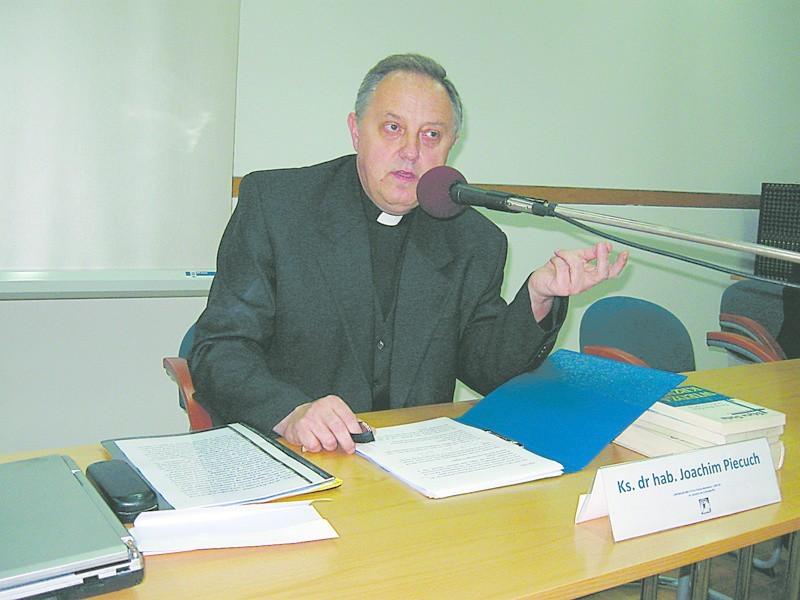 - Edyta Stein już jako dziecko odznaczała się nieprzeciętną inteligencją - mówił ks. prof. Piecuch.