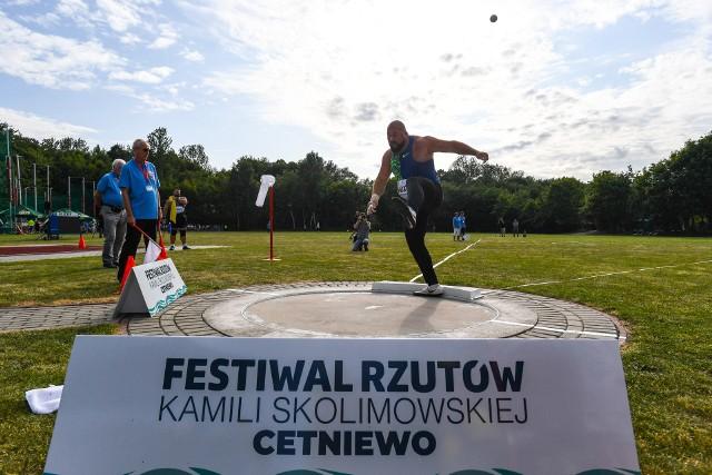 Mityng we Władysławowie jest niezwykle interesujący, bo licznie zgromadzona publiczność jest blisko zawodników.