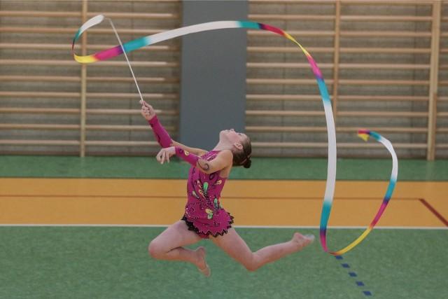 Gimnastyka artystyczna to piękno, wdzięk, gracja, elegancja, precyzja ruchów