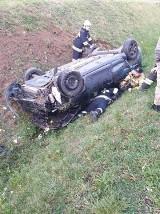 Wypadek na drodze wojewódzkiej nr 229 w Ropuchach koło Pelplina. Są utrudnienia, ruch naprzemienny 17.10.2019