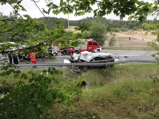 Wypadek w Borkowie10 lipca w Borkowie, na trasie Żukowo - Kartuzy doszło do tragicznego wypadku, w którym zginął 28-letni mężczyzna.Czytaj więcej: Wypadek w Borkowie koło Kartuz. Nie żyje 28-letni mężczyzna [WIDEO, ZDJĘCIA]Wideo: Janina Stefanowska