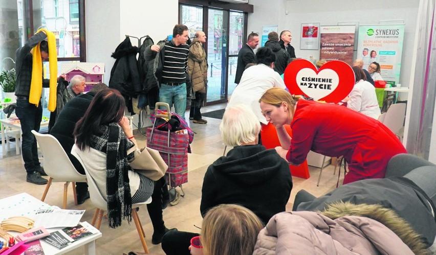 """Akcja bezpłatnych badań """"Ciśnienie na życie"""", która odbyła się w styczniu w Centrum Inicjatyw Rodzinnych przy ulicy Ratajczaka, cieszyła się bardzo dużym zainteresowaniem"""