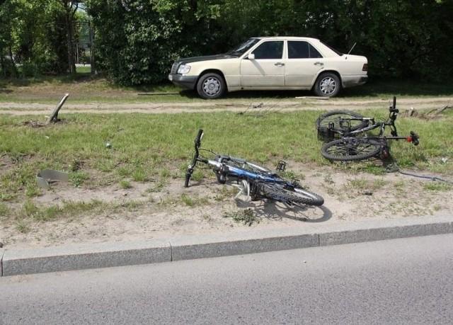 Obydwaj rowerzyści – ojciec z synem – zostali odwiezieni do szpitala. Na szczęście pozostali uczestnicy zdarzenia nie odnieśli obrażeń ciała. Badanie alkomatem wykazało, że zasiadający za kierownicą bmw 36-latek był trzeźwy. Na miejscu zostało mu zatrzymane prawo jazdy.