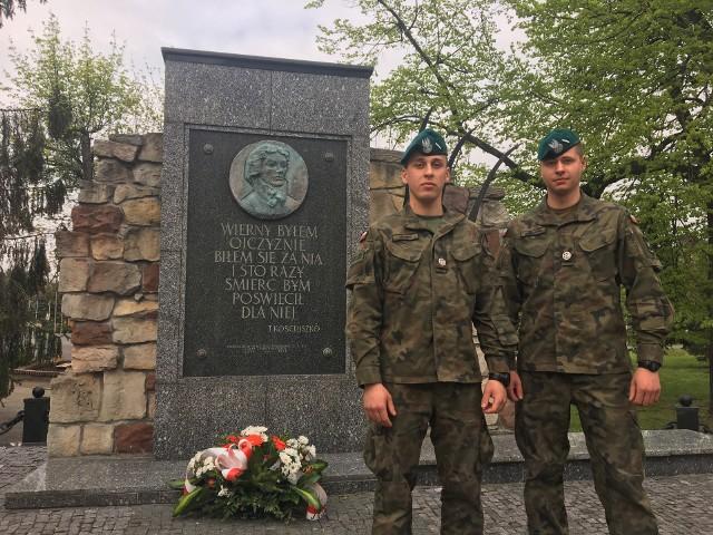 st. szer. Michał Jakimiuk i st. szer. Konrad Dawidowicz są studentami pierwszego roku studiów wojskowych na wrocławskiej Wyższej Szkole Oficerskiej