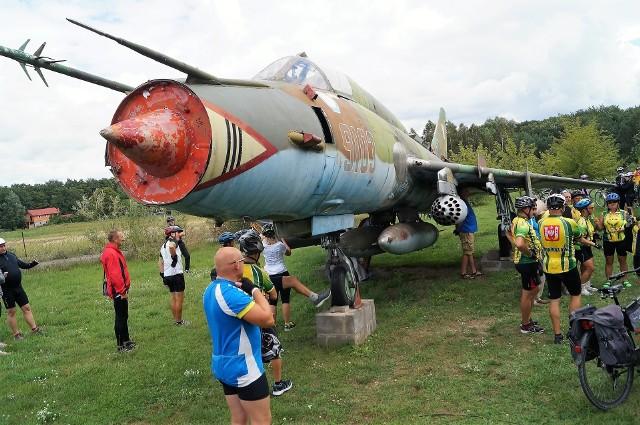 Podczas wycieczki będzie okazja sfotografować się przy samolocie Su-22, który stoi w Mielnicy