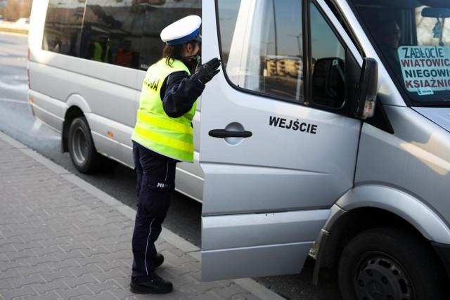 Sanepid poszukuje pasażerów busa.
