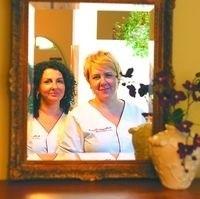 Kobiety w ciąży są cudownymi klientkami - uważają Monika Bielawska (z strony) i Barbara Gajdowska