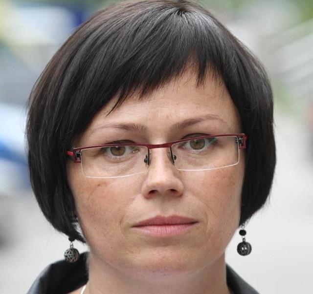 """Jolanta Strojna, rzecznik Urzędu Kontroli Skarbowej w Kielcach: - Działania """"przedsiębiorców"""", którzy biorą udział w oszustwach podatkowych powodują zmniejszenie wpływów budżetowych i ogromną konkurencję dla szeregu podmiotów działających zgodnie z prawem"""