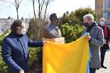 Karol Cebula upamiętniony na Wzgórzu Uniwersyteckim. Jego popiersie odsłonięto z okazji święta Uniwersytetu Opolskiego