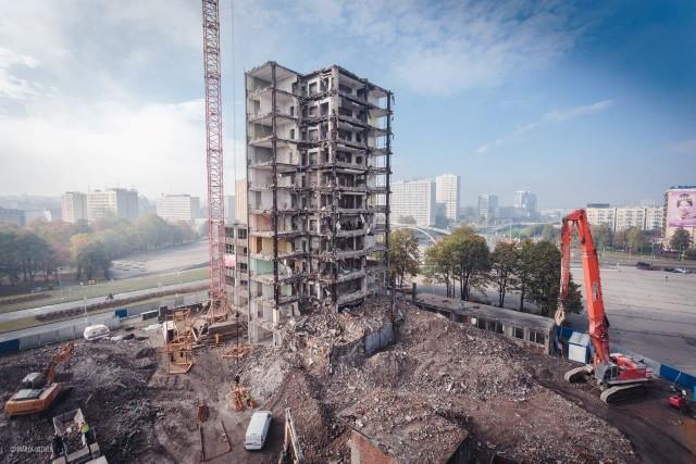 Rozbiórka wieżowca DOKP w Katowicach