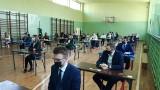 Matura z języka polskiego w Technikum imienia Władysława Grabskiego w Odonowie. Po egzaminie uczniowie byli zadowoleni (ZDJĘCIA)