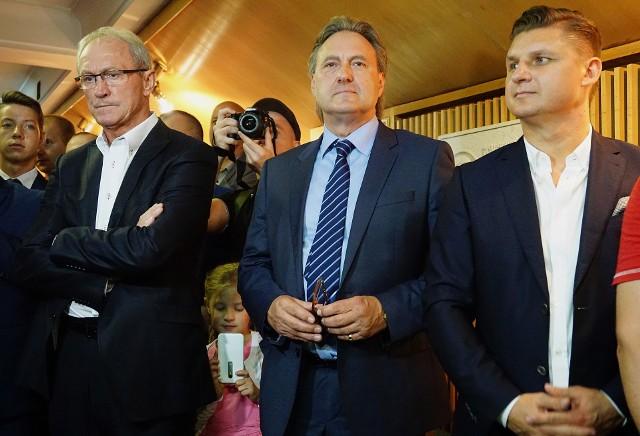 Trener Franciszek Smuda, prezes Andrzej Pawelec i strzelec gola na Wembley Marek Citko