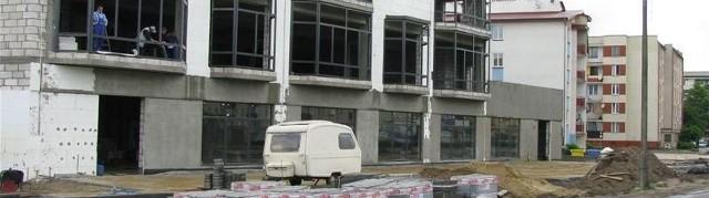 Nowy duży obiekt handlowo-usługowy powstaje przy ul. Goworowskiej