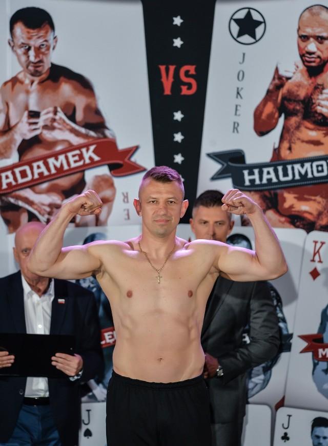 Dziś w POLSAT BOXING NIGHT 2017 Adamek zmierzy się z Haumono. Gdzie obejrzeć na żywo galę Polsat Boxing Night? Walka Adamek Haumono na żywo online i ppv. WALKA ADAMKA ZA DARMO.