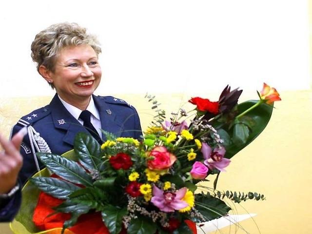 Urszula Ossowska z kwiatami od kolegów z Aresztu Śledczego