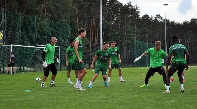 Stal Stalowa Wola w poniedziałek 12 lipca zaczęła przygotowania do sezonu 2021/2022 w rozgrywkach grupy czwartej piłkarskiej trzeciej ligi. Zobacz pierwsze zajęcia na zdjęciach.