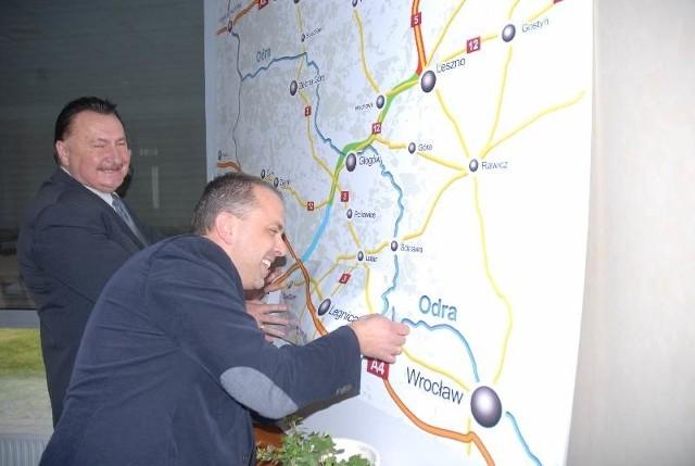 Członkowie Stowarzyszenia Przedsiębiorców Ziemi Głogowskiej zorganizowali konferencję, na której przedstawili samorządowcom swoją koncepcję