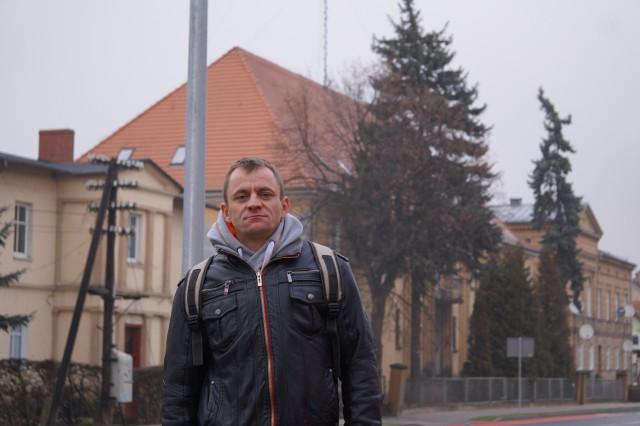 Najbardziej przydałby się mieszkania dla młodych małżeństw - mówi Tomasz Dyderski z Międzyrzecza.