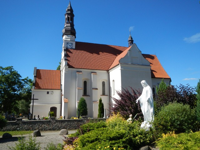 Kościół pw. Świętej Trójcy w Byszewie – sanktuarium Najświętszej Maryi Panny Królowej Krajny.