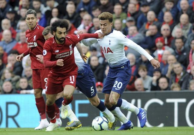 Już w sobotę w Madrycie poznamy nowego triumfatora Ligi Mistrzów. Nie wiemy jeszcze, czy po meczu puchar wzniosą do góry piłkarze Liverpoolu, czy Tottenhamu. Mamy za to dla was 20 mało znanych ciekawostek o obu drużynach i ich piłkarzach. Kto uciekał przed wojskiem, kto słabo zarabia, czy The Reds zawsze grali w czerwonych koszulkach, w której z drużyn wystąpił kiedyś Diego Maradona? Tego dowiecie się na kolejnych slajdach.
