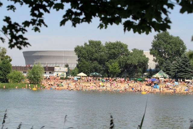W trakcie lipcowych upałów wrocławianie szukali ochłody na miejskich kąpieliskach
