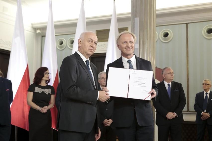Włodzimierz Tomaszewski, na zdjęciu z prawej, stwierdził w...