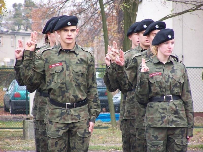Zaprzysiezenie klasy mundurowej w Oleśnie