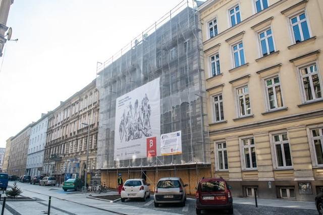 Już w połowie lipca poznaniacy będą mogli obejrzeć odrestaurowaną elewację siedziby Polskiego Teatru Tańca przy ul. Taczaka w Poznaniu