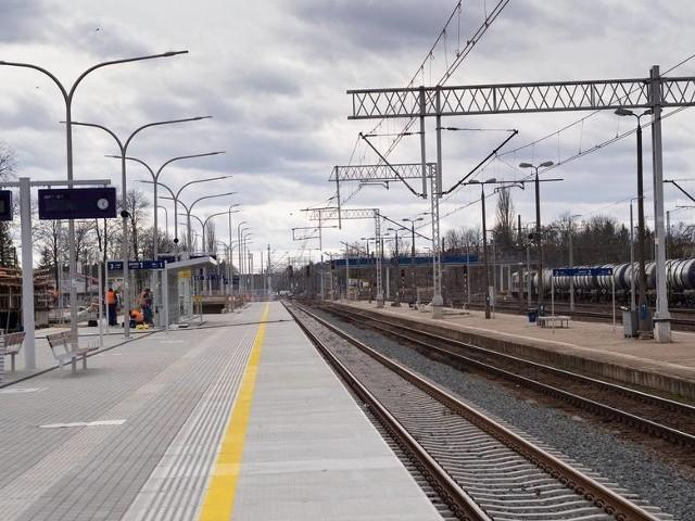Spółka PKP PLK nie rozstrzygnęła przetargu na modernizację odcinka trasy kolejowej Czyżew-Białystok. To fragment międzynarodowej trasy kolejowej E75 Rail Baltica. W ramach inwestycji powstaną nowe stacje i przystanki, mosty, przepusty nad torami