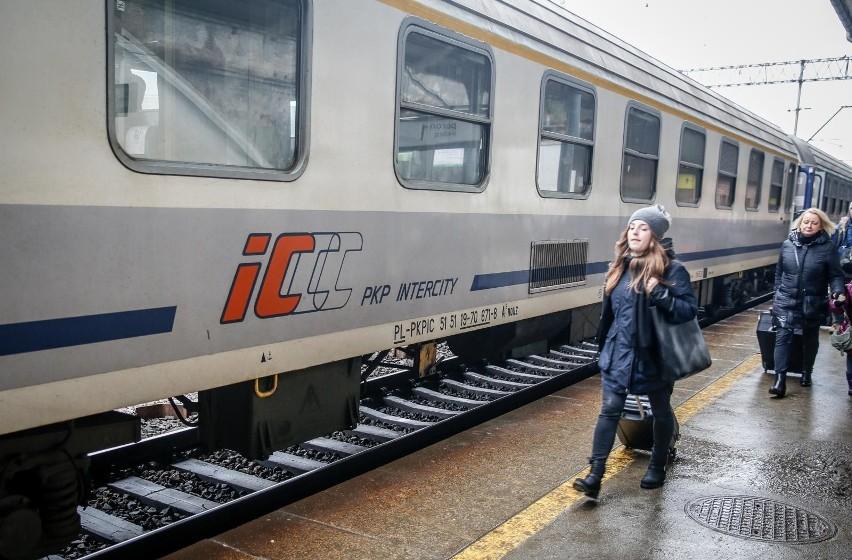 26.01.2018 gdansk.  stacja kolejowa gdansk glowny - dworzec pkp. fot. karolina misztal / polska press/dziennik baltycki