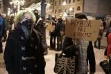 Protest kobiet w Łodzi w piątek. Trwa Strajk Kobiet 29.01.2021. Oburzenie o publikacji wyroku Trybunału Konstytucyjnego w sprawie aborcji