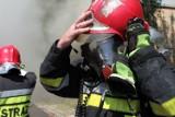 Pożar w bloku w Zabrzu. Płonęło mieszkanie przy ul. Wojska Polskiego. Ewakuowano dwanaście osób. Trzy w szpitalu. Podtruły się gazami