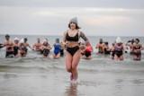 Polaków ogarnęła moda na morsowanie - jak zimna kąpiel lub lodowate powietrze wpływają na nasze zdrowie i włosy?