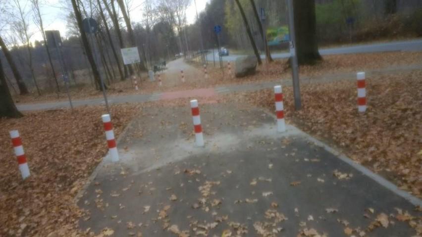 - Słupki na ścieżce rowerowej postawiono, by nie wjeżdżały...