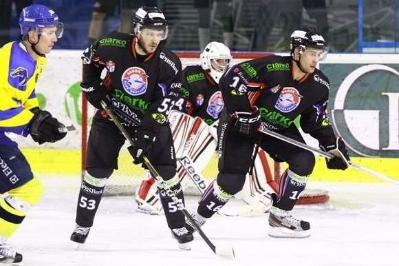 Pavel Mojzis (w środku).