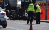Tarnów. Wypadek na Krakowskiej. 23-letni motocyklista zginął po zderzeniu z ciężarówką [ZDJĘCIA]