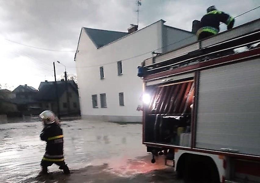 Błotna lawina zalała wieś Borucin w Krzanowicach! Strażacy...