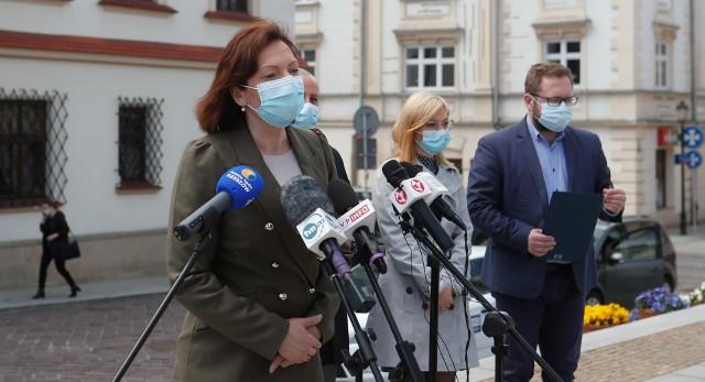 Podczas dzisiejszej konferencji prasowej Ewa Leniart zapowiedziała wsparcie psychiczne i psychologiczne dla mieszkańców Rzeszowa.