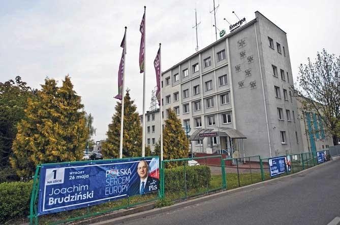 Banery Wyborcze Pis Na Płocie Firmy Energa W Koszalinie